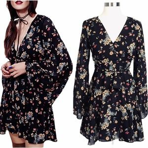 FREE PEOPLE Dress Lilou Floral Bell Sleeves XS EUC